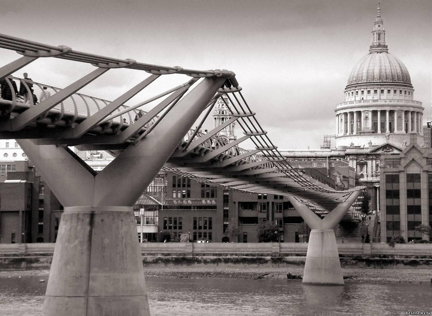 Посмотреть новость Стальной мост Миллениум Бридж