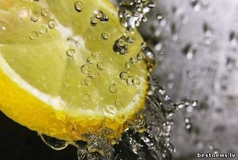 Посмотреть новость 7 плюсов от воды с лимонным соком