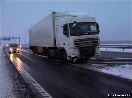 Посмотреть новость Белорусский дальнобойщик ездил по Австри...