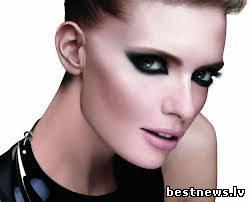 Посмотреть новость Простой и красивый вечерний макияж