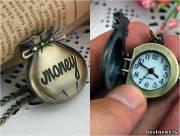 Часы в виде мешочка с деньгами.
