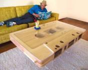 Стол с дизайном аудио кассеты от Джеффа Скиерка (Jeff Skierka)
