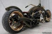 Сделанный на заказ мотоцикл авторства Ферри Клота в стиле стимпанк.