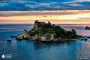 Остров Белла, что в переводе с итальянского «красивый остров» - крошечный остров на озере Лаго-Маджоре, Италия.