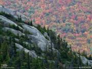 Осень в горах Адирондак на севере горной системы Аппалачей